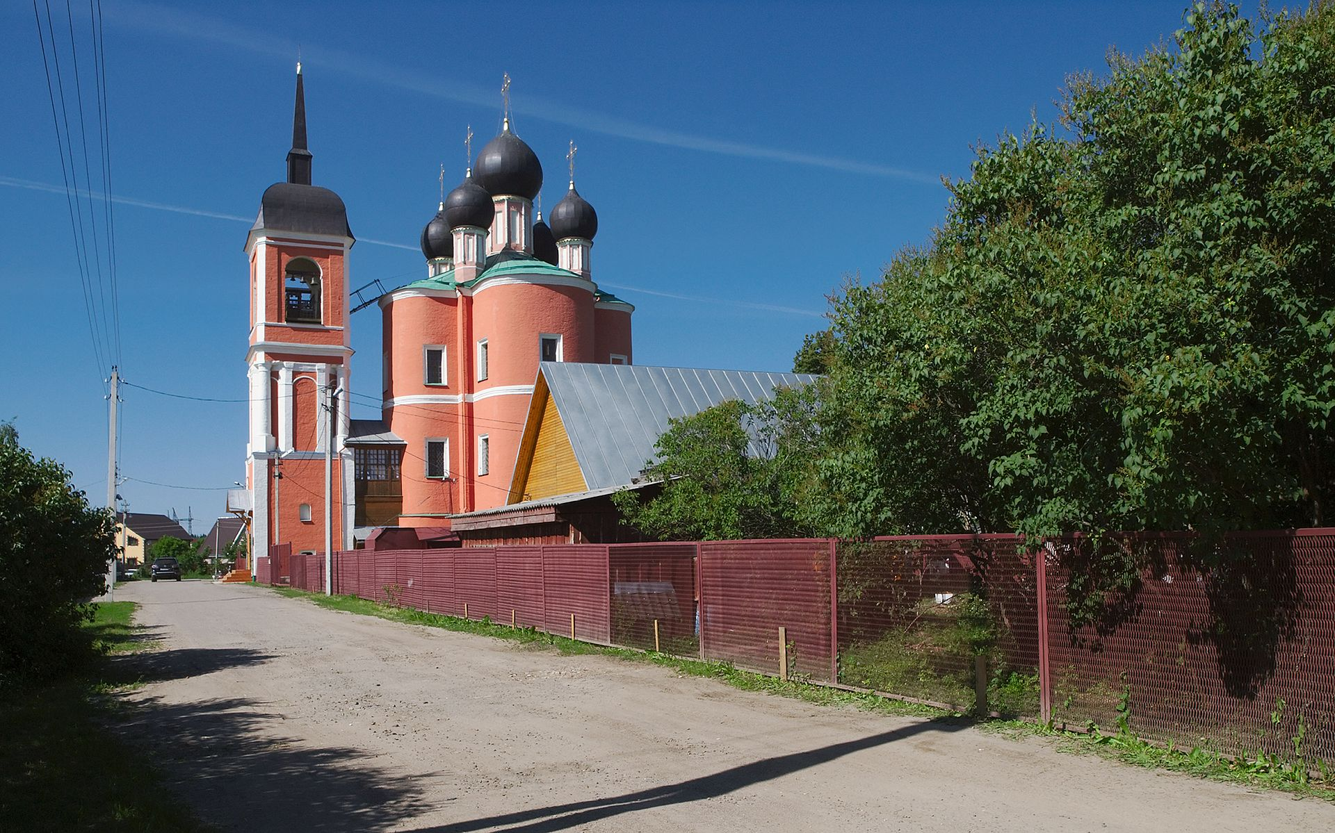 Burtsevo_church_01.jpg