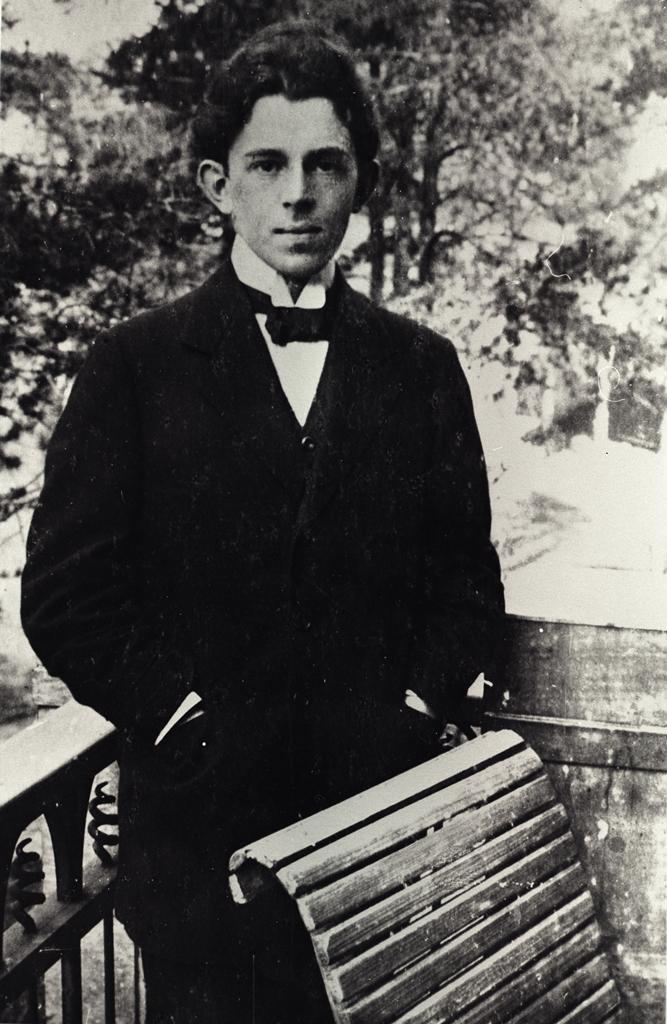 Osip-Emilevich-Mandelshtam-1891-1938.-1914.jpg