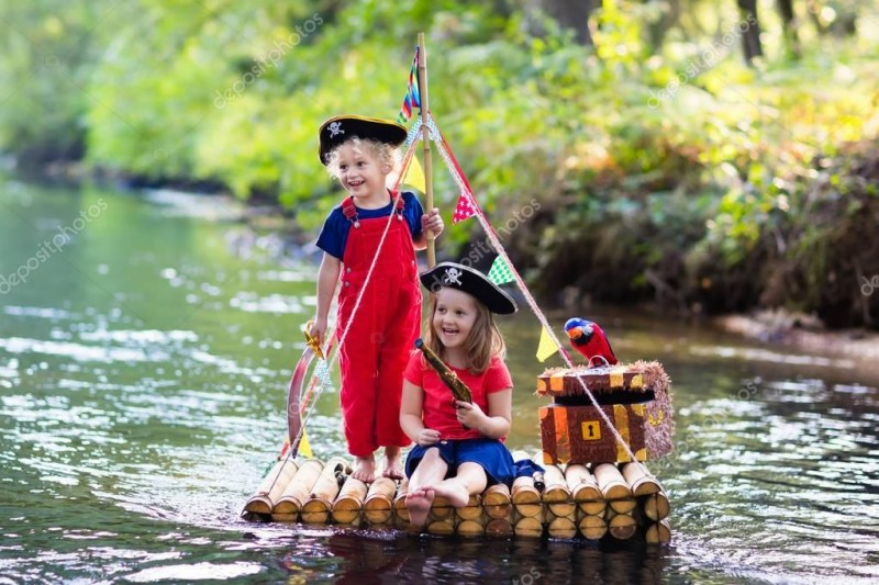 depositphotos_148129613-stock-photo-kids-playing-pirate-adventure-on.jpg