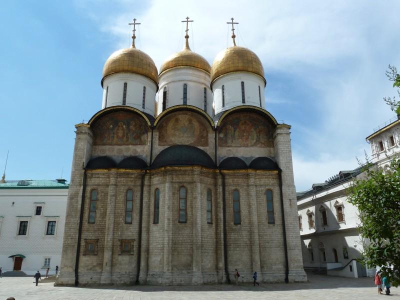 Uspenskij-sobor-Moskovskogo-Kremlya.-Vid-s-vostochnoj-storony.jpg